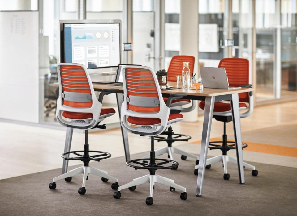Steelcase Series 1 offre ce qu'il y a de plus important, à savoir : la performance, le style et la possibilité de choisir. Il possède l'ensemble des arguments qui sont appréciés dans un siège, tout en étant accessible à tous.